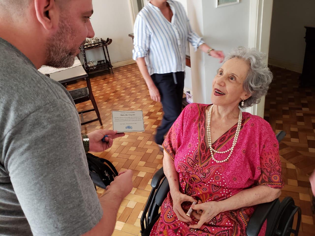 Maria Alice Vergueiro recebe a Homenagem Lelia Abramo do SATED-SP